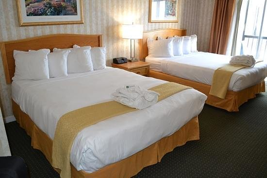 Quality Inn Downtown Inner Harbour: Our room with two queen beds