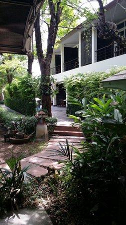 River Kwai Bridge Resort : Newer rooms closer to entrance