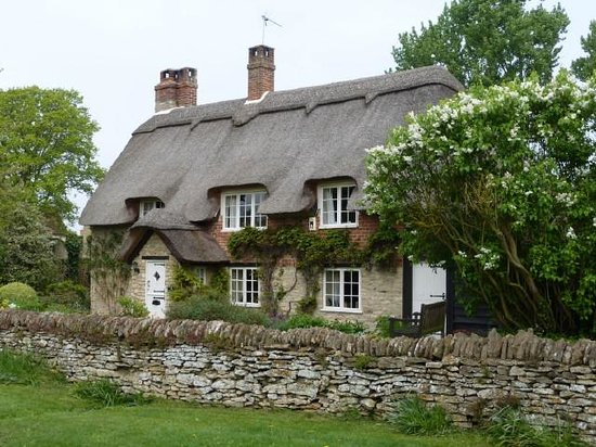 Absolute Touring: A typical thatched home seen during our tour
