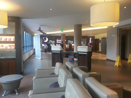 Premier Inn London Gatwick Airport (North Terminal) Hotel: Reception area