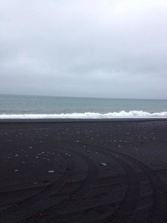 Icelimo Luxury Travel : Black sand beach...
