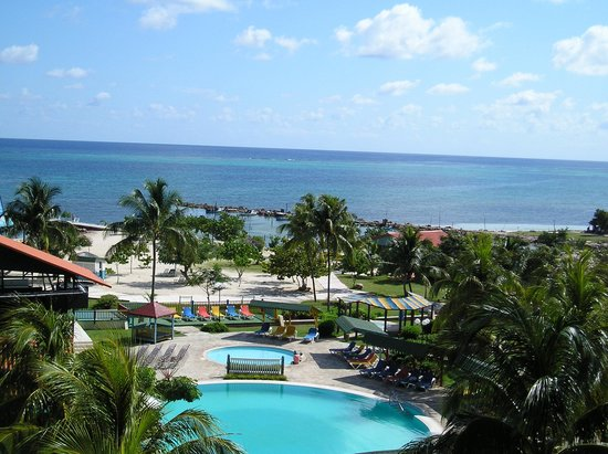 Vista piscina y playa picture of brisas guardalavaca - Piscina playa ...