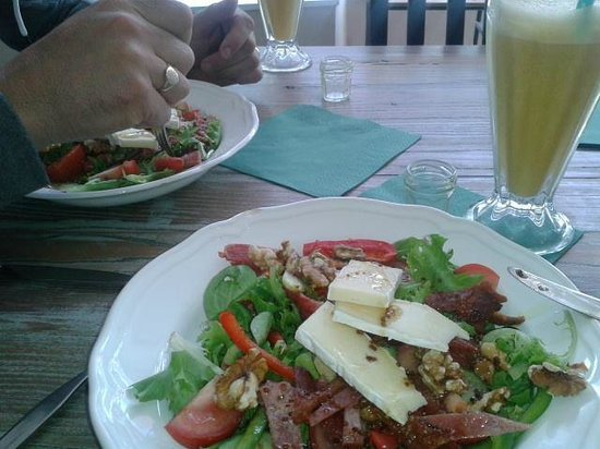 The Green Room: Bacon & brie salad with walnuts & a honey & mustard glaze! Delicious!