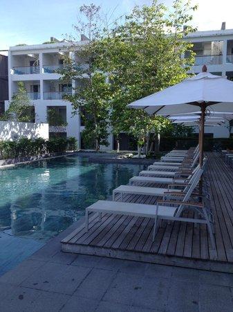 Nap Patong: Hotel pool