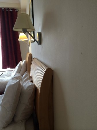 Holiday Inn London - Kensington: lampshades