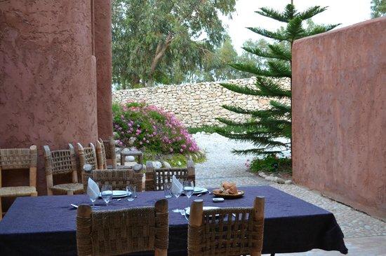 Villa Gonatouki : la cena, verso il giardino