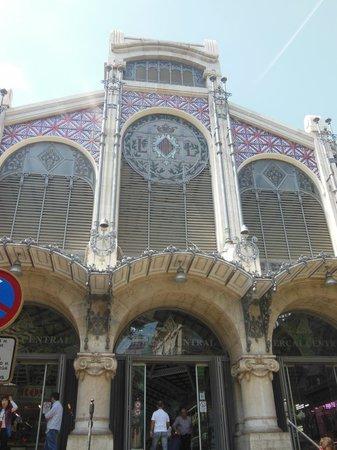 Plaza del Mercado (Plaça del Mercat): façade du marché