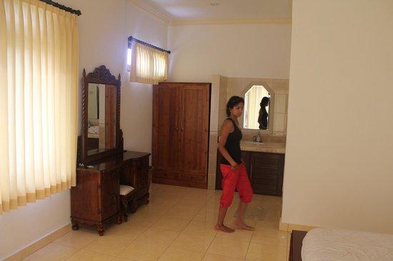 Tanah Semujan Ubud : Inside Room