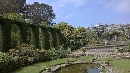 Mount Stewart House: Italian garden