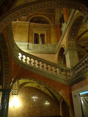 Hungarian State Opera House (Magyar Allami Operahaz) : Escalier latéral
