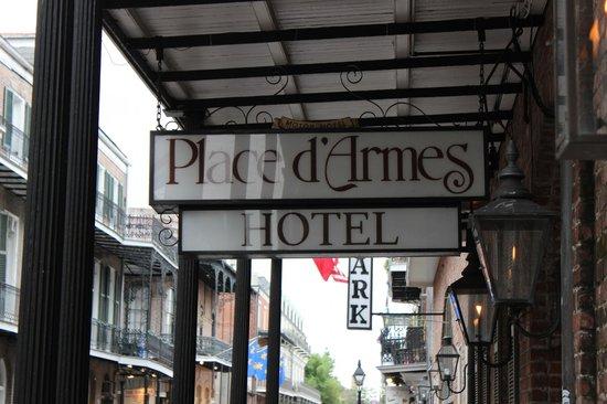 Place d'Armes Hotel: Hotel entrance