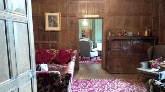 Mercure Telford Madeley Court Hotel: Lounge