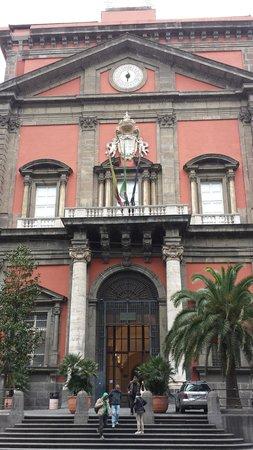 Musée archéologique national de Naples : Facciata esterna