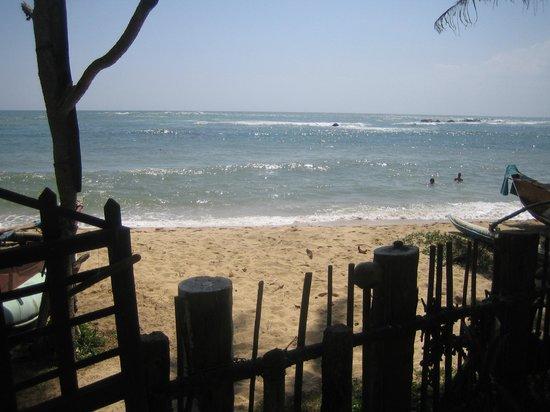 Praneeth Guest House, Mirissa : plage
