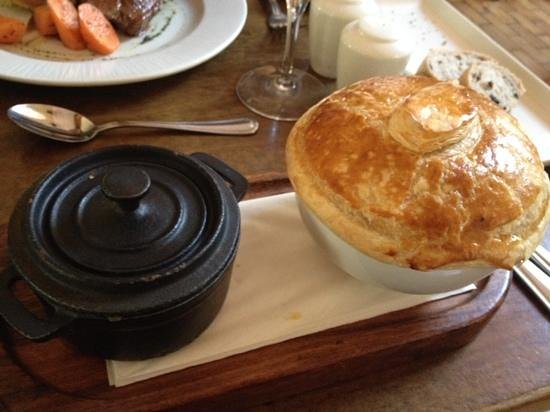 The Church: Steak & Guinness pie - awkwardly served