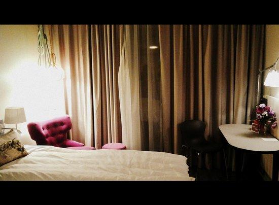 Scandic Fornebu: Интересный дизайн комнаты