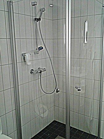 Scandic Fornebu: Ванная