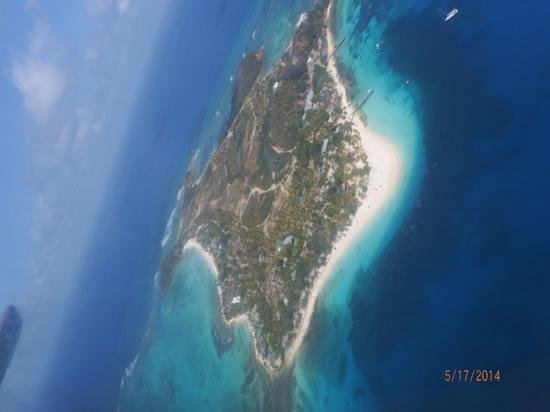 Palm Island Resort & Spa : palm island from plane