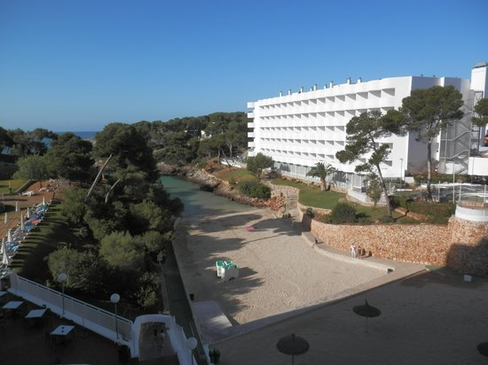 AluaSoul Mallorca Resort: Hotel Scorpios from our balcony