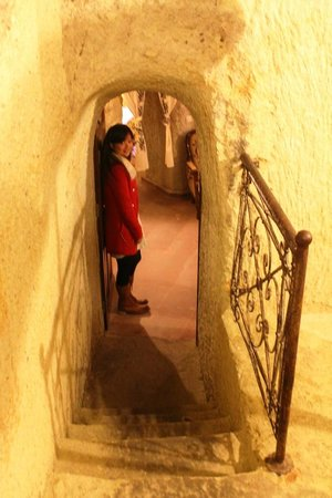 Hotel Cave Konak: Passageway to Room