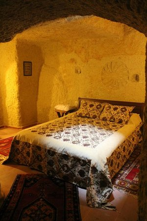 Hotel Cave Konak: Bed