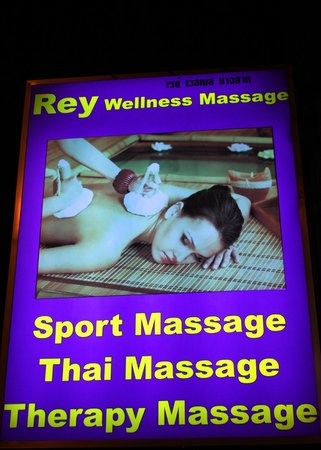 Rey's street sign - Picture of Rey Wellness Massage, Lamai