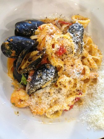 Zio Restaurant: Seafood Pasta dish!