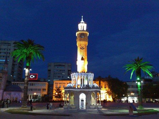 Saat Kulesi (Clock Tower): İzmir Konak saat kulesi