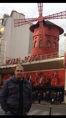 Moulin Rouge : Excelente lugar recomiendo que vayan por la noche!!