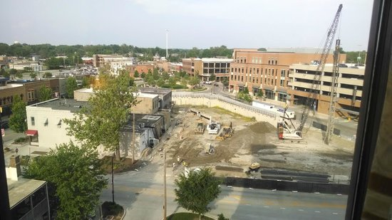Bloomington-Normal Marriott Hotel & Conference Center: Once construction done, view will be great!