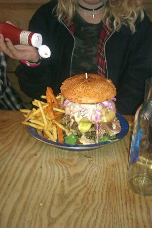 Nolita Cantina: Big boy Burger and it deserves its name