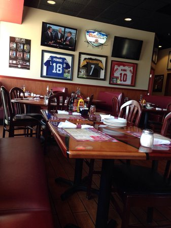 Chad Anthony's Italian Grille and Pub: Dining area