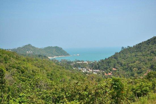 "Phuwadee Resort & Spa: Вид на пляж  ""сверху"""