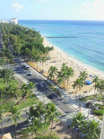 Aston Waikiki Beach Hotel: Towards DiamondHead