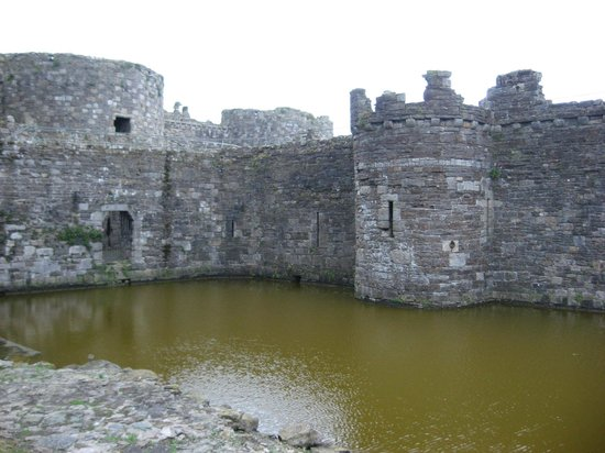 The Bulkeley Hotel: Beaumaris Castle