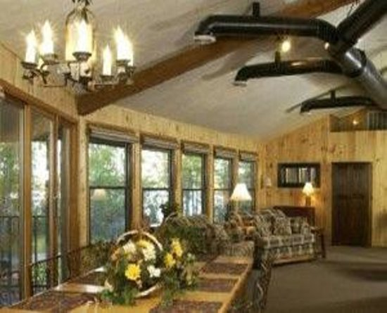 Holiday Acres Resort : Big Pine Lodge is 6BR 4Bath vacation home.