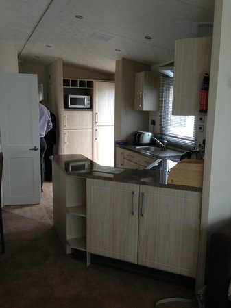 Turnberry Holiday Park: kitchen
