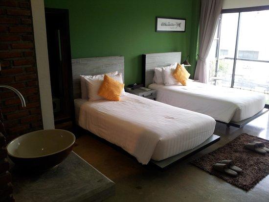 Amphawa Na Non Hotel & Spa : room # 307