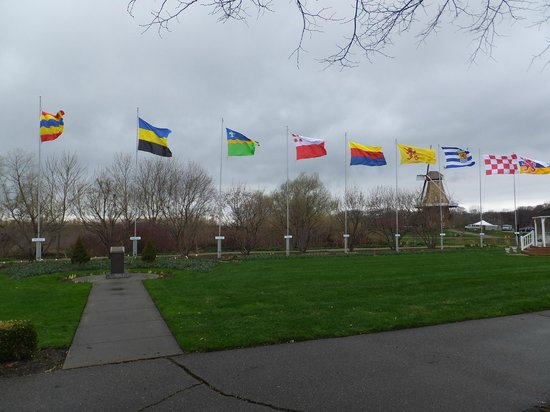 Windmill Island Gardens: Flags of Netherland