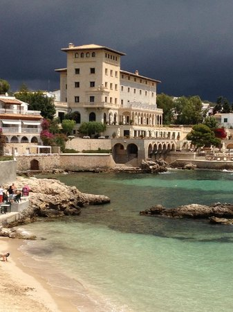 Hospes Maricel Mallorca & Spa : View of hotel from a distance