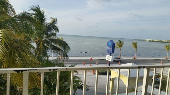 Key West Bayside Inn & Suites: The view from our balcony