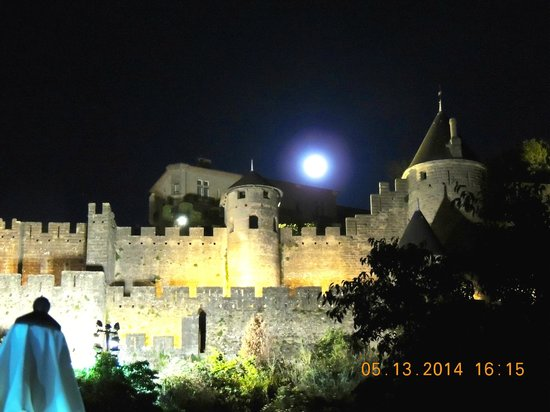 La Posada del Castillo B&B: Full Moon over Carcassonne