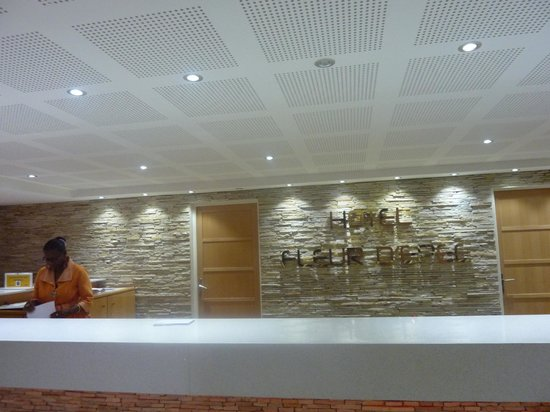 Hôtel Fleur d'Epée : la réception