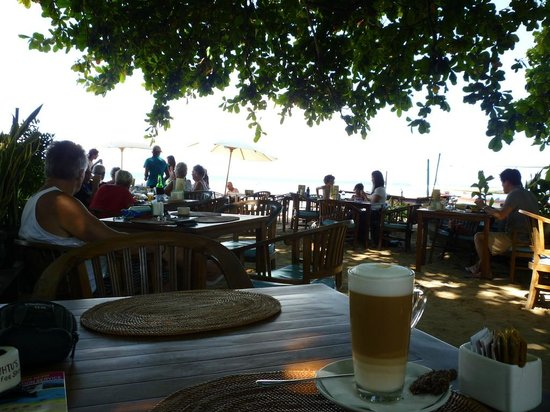 Luhtu's Coffee Shop: Relaxing view of the water