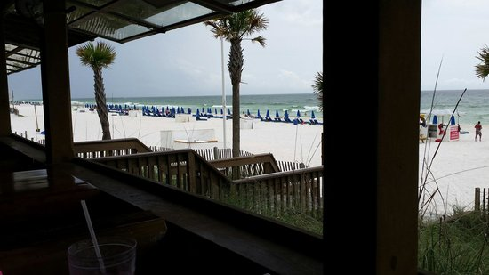 Spinnaker Beach Club: Table view