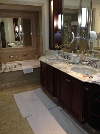 Sandy Lane Hotel: bathroom