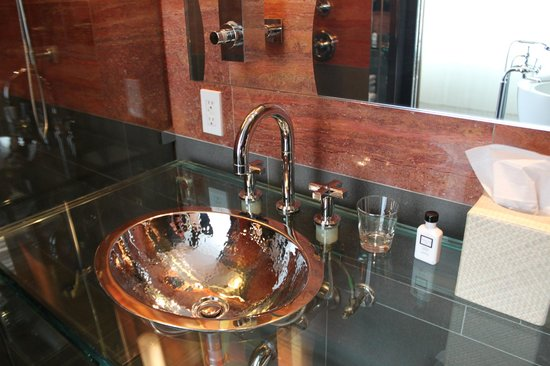Andaz 5th Avenue: His and Her Sinks