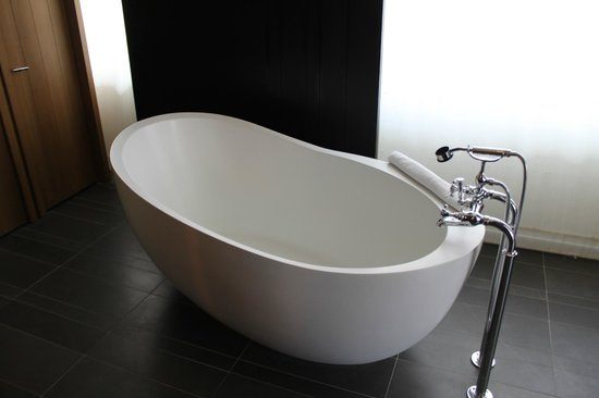 Andaz 5th Avenue: Free-standing Bath
