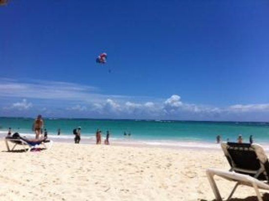 Grand Palladium Punta Cana Resort & Spa: Us enjoying the clear blue skies and water!