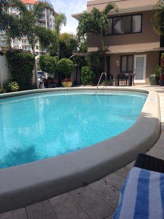 Granada Inn: Pool